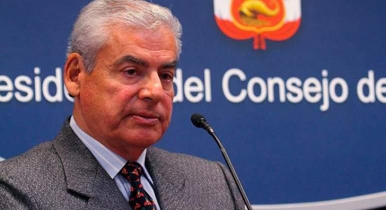 Presidente de Perú amenaza con disolver el Congreso si no aprueban reforma
