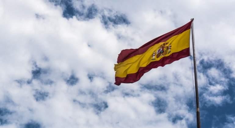 bandera-ondea-espana-nubes.jpg