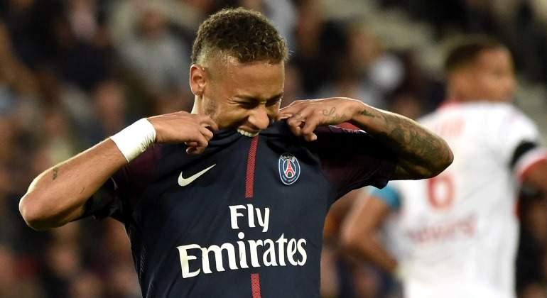 Neymar-muerde-camiseta-2017-efe.jpg