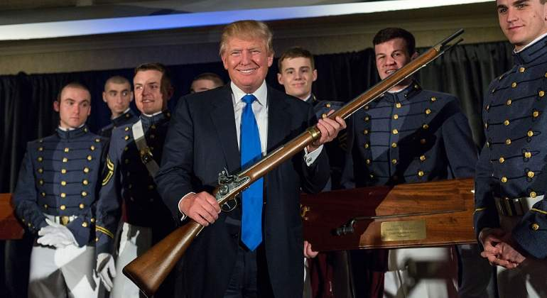 Trump-rifle-getty.jpg