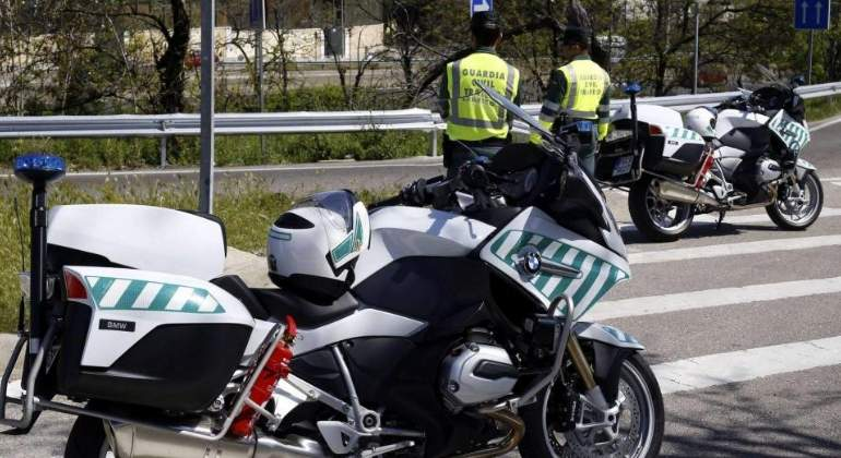 guardia-civil-moto-efe.jpg