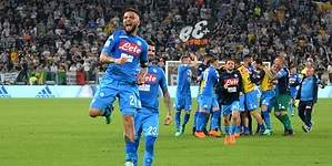 El Napoli no baja los brazos y vence a la Juventus