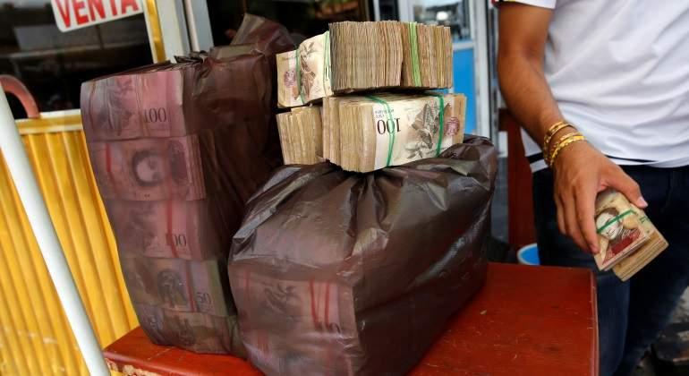 bolivares-saco-venezuela-reuters-770x420.jpg