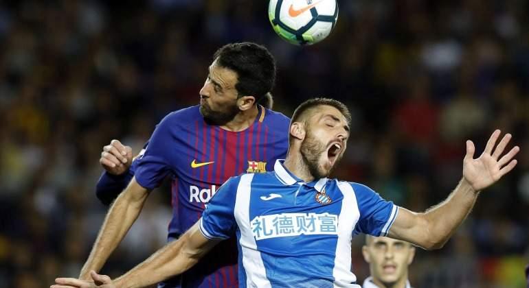 Busquets-David-Lopez-Barcelona-Espanyol-2017-efe.jpg