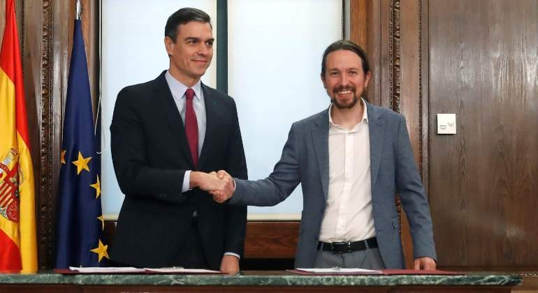 Sánchez e Iglesias pactan subir los impuestos a los más ricos y a las grandes empresas