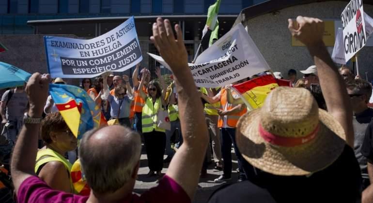 huelga-examiadores-trafico-dgt.jpg
