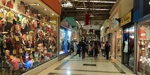 En 3,9% disminuyen las ventas  del comercio en la Región Metropolitana