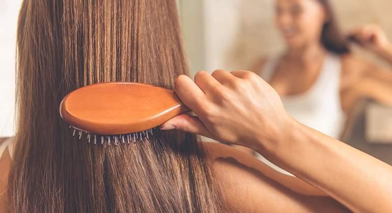 Pasa ocho meses sin lavarse el pelo con champú y el resultado es  sorprendente - EcoDiario.es 783bc0df5bf7