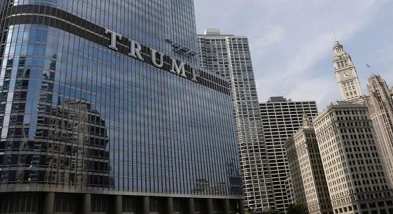 Retiran nombre de Trump de 3 edificios en NY