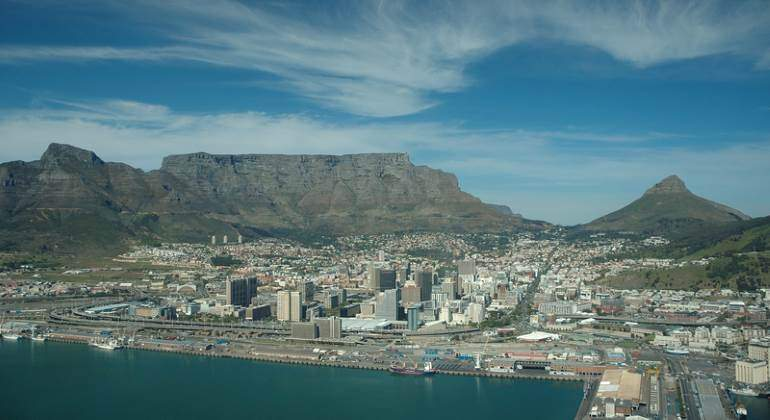 ciudad-cabo-sudafrica-panoramica-770-dreamstime.jpg