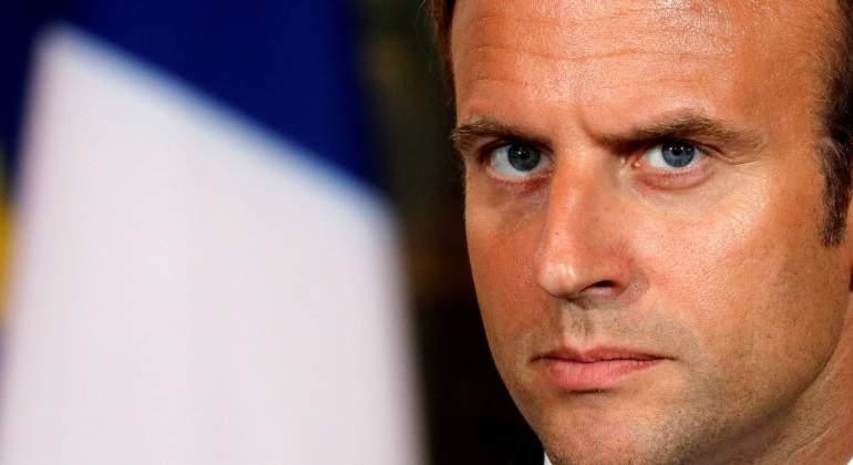 El presidente Macron y su esposa son evacuados de un teatro por un intento de asalto de manifestantes