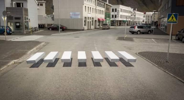 Islandia sorprende con su innovador pero polémico paso de cebra