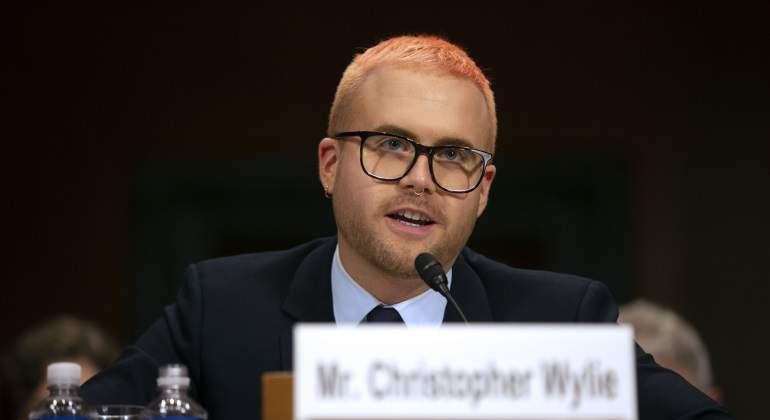 Christopher-Wylie-exdirector-investigacion-cambridge-analytics-770x420.jpg