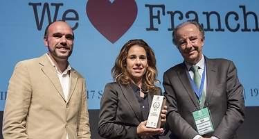 Eroski recibe el premio a la mejor franquicia de comercio de España