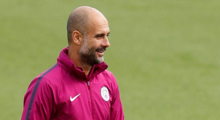 Guardiola-Entrenamiento-City-rosa-2018-Reuters.jpg
