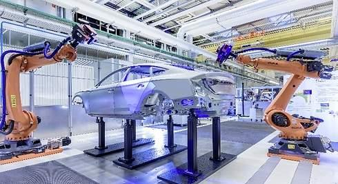dded734788f Punto y aparte en la historia: la línea de montaje de Henry Ford deja paso a  las fábricas autónomas de Audi