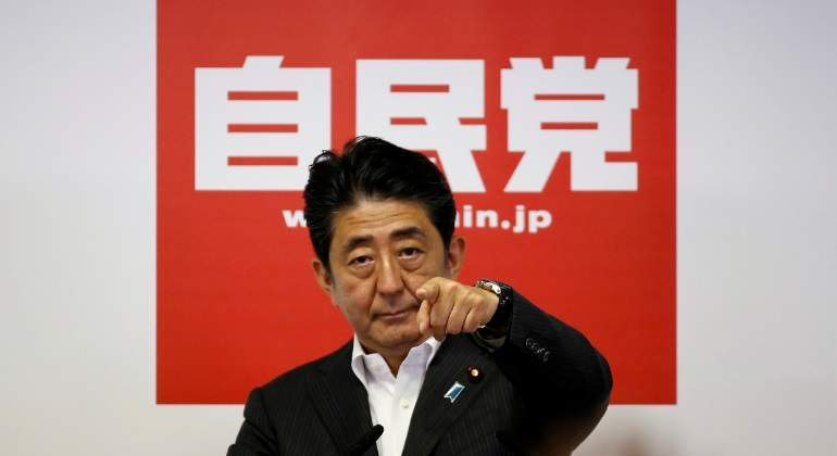 abe-victoria-japon-reuters.jpg