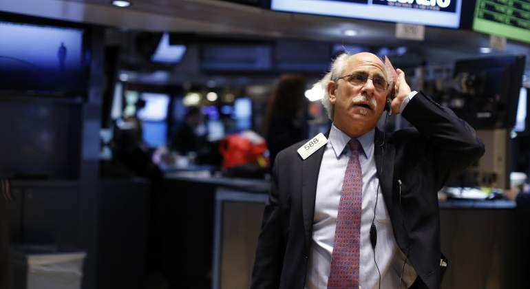 Wall Street cierra la semana sin rumbo