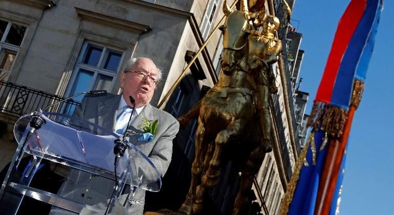 Jean-Marie Le Pen presentará candidatos a las próximas elecciones, en un desafío a su hija