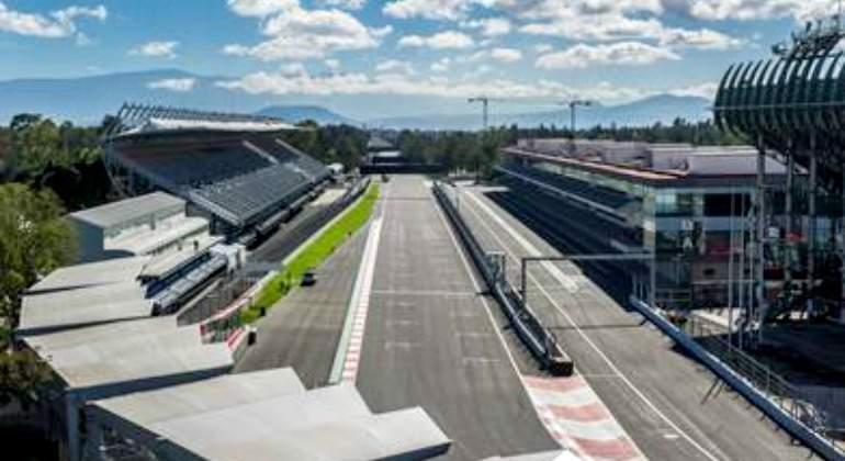 Gp de m xico pule detalles en el aut dromo hermanos for Puerta 5 autodromo hermanos rodriguez