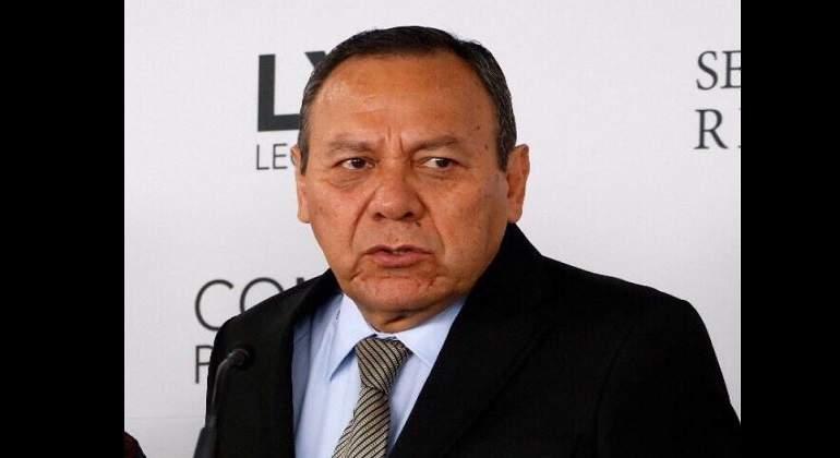 AMLO anuncia que 10 legisladores del PRD se unirán a Morena