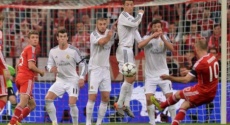 Bale-Robben-falta-2014-Getty.jpg