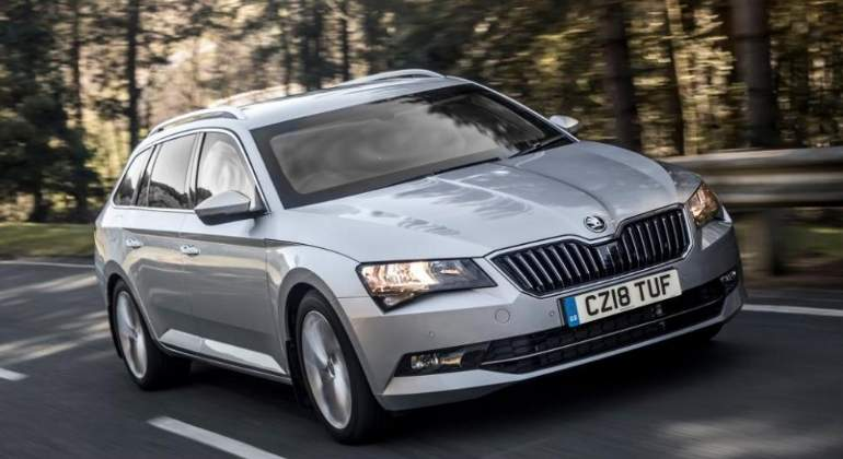 skoda-superb-combi-blindado-2018-01.jpg