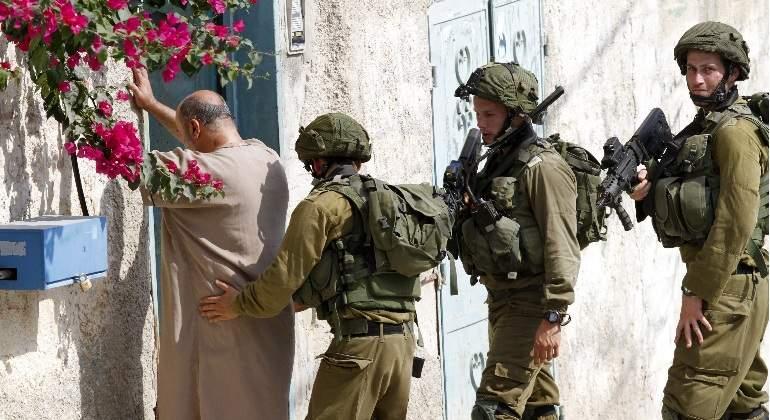 Un soldado israelí mata a tiros a un conductor palestino