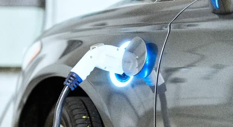 coche-electrico-istock.jpg