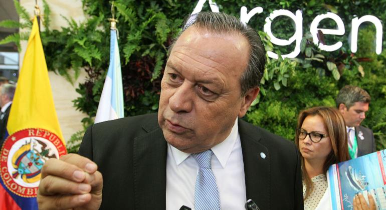 ejecutivo.argentino.aerolineas-efe.png