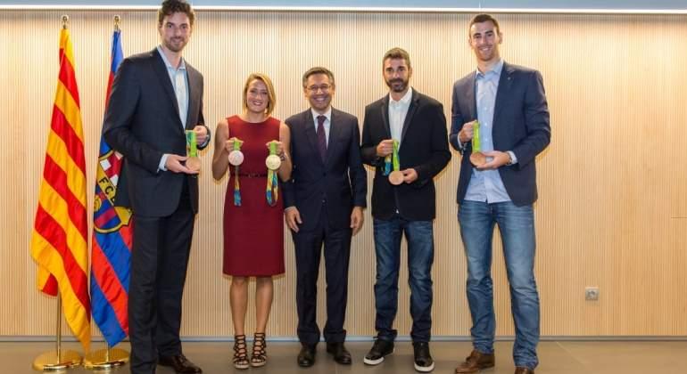 Medallistas-Bartomeu-Barcelona-Celtic-2016-FCB.jpg