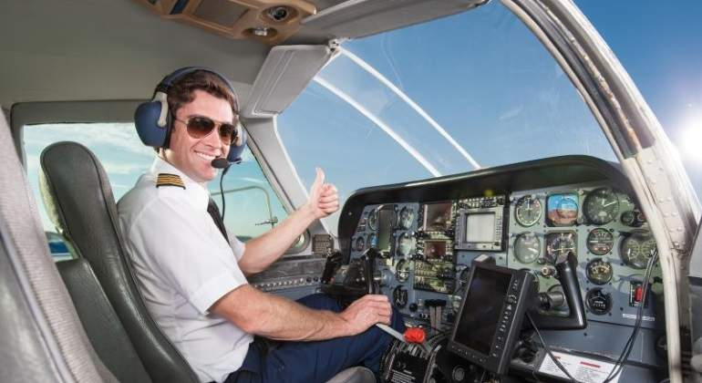 Impartirá Aeroméxico carreras de piloto aviador y sobrecargo