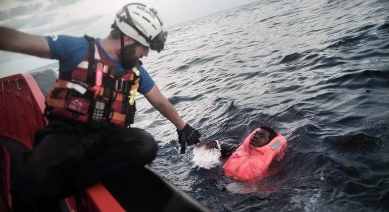 inmigrantes-mediterraneo-5sept2016-770x420-efe.jpg