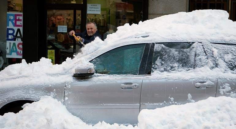 coche-sepultado-nieve-9ene17-efe.jpg