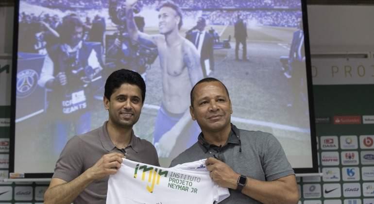Neymar-Al-khelaifi-Padre-2018-Brasil-efe.jpg
