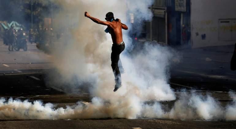 Venezuela-protest-gas.jpg