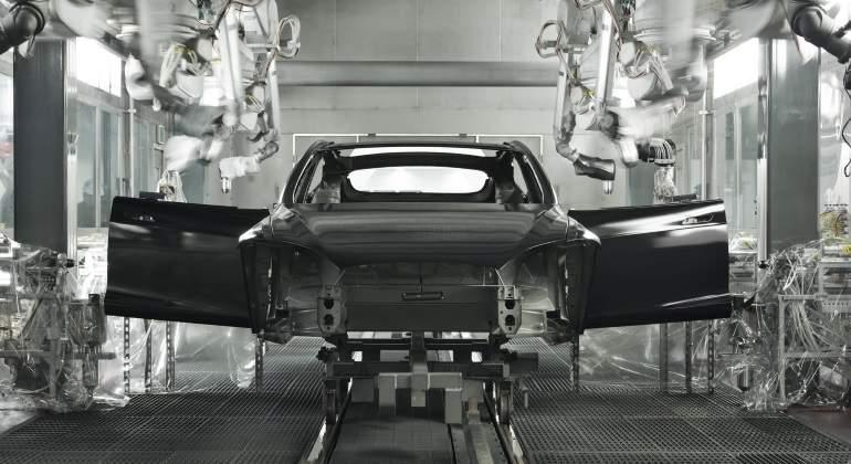 fabrica-tesla-robots-fuente-tesla-770x420.jpg