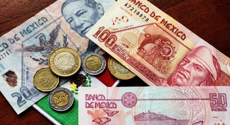 pesos-mexico-getty.jpg