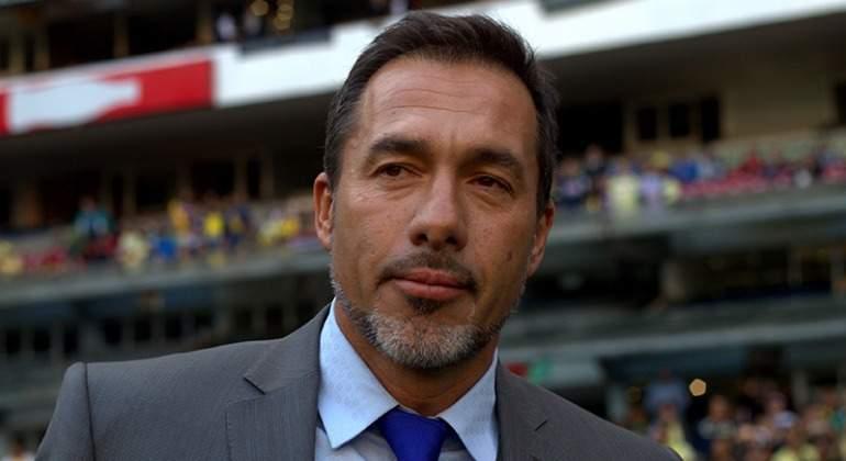 Gustavo Matosas fue presentado como nuevo técnico de Estudiantes