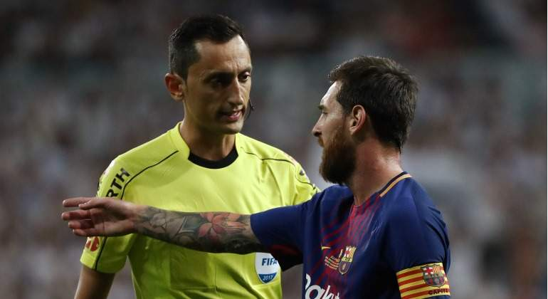 Sanchez-Martinez-2017-Messi-Clasico-Bernabeu-Reuters.jpg