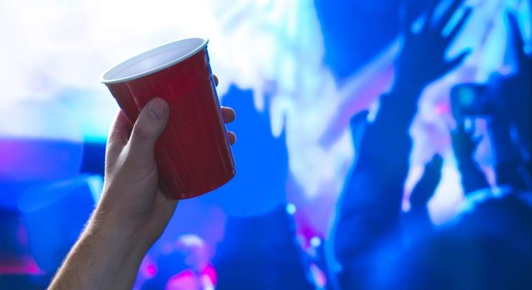 alcohol-concierto-dreamstime.jpg