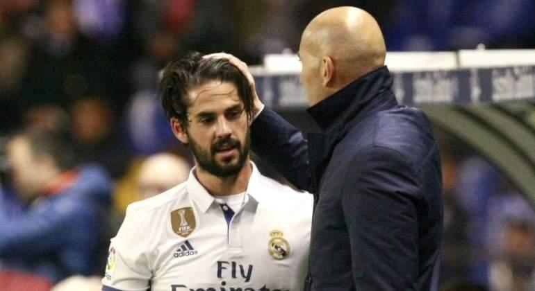 Isco-saluda-Zidane-2017-Riazor-EFE.jpg