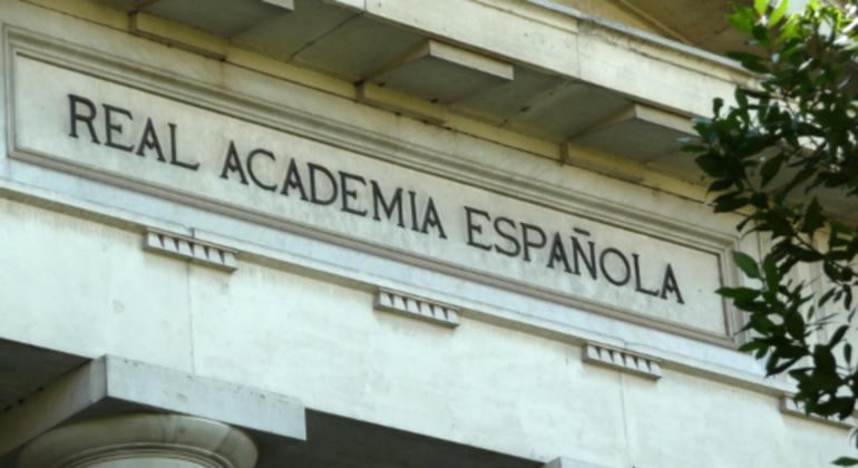 real-academia-lengua-constitucion-inclusiva.png