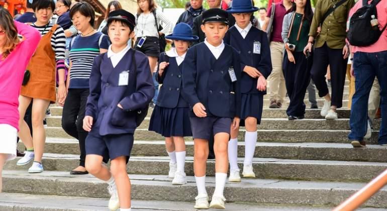 japon-uniformes-colegio-dreamstime.jpg