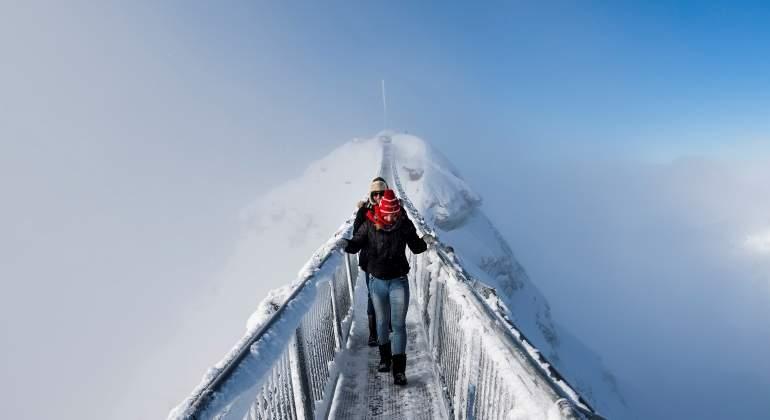 puente-colgante-suiza-efe.jpg