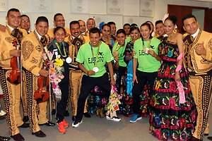Con mariachi, reciben a los medallistas mexicanos