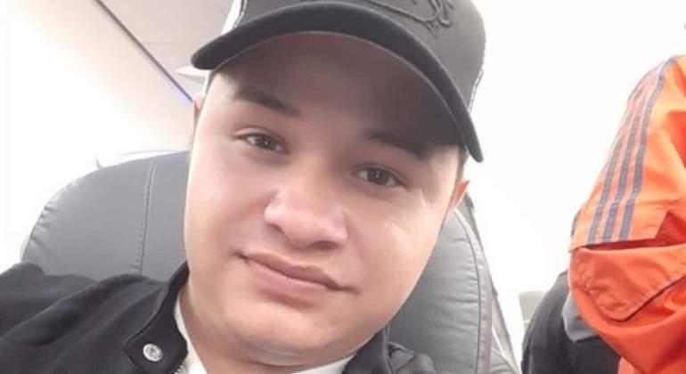 Indigente golpea cerca de la nuca a vocalista de 'Los Recoditos'