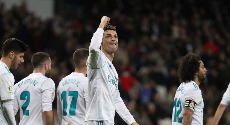 Ronaldo-Mnao-arriba.jpg
