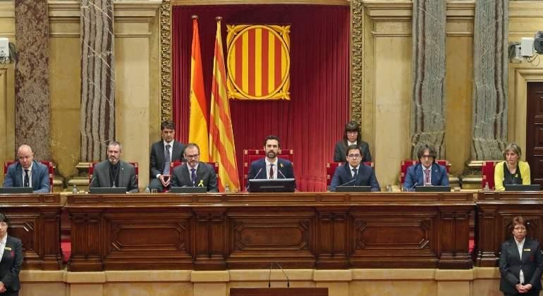 mesa-parlament-completa-17enero2018.jpg