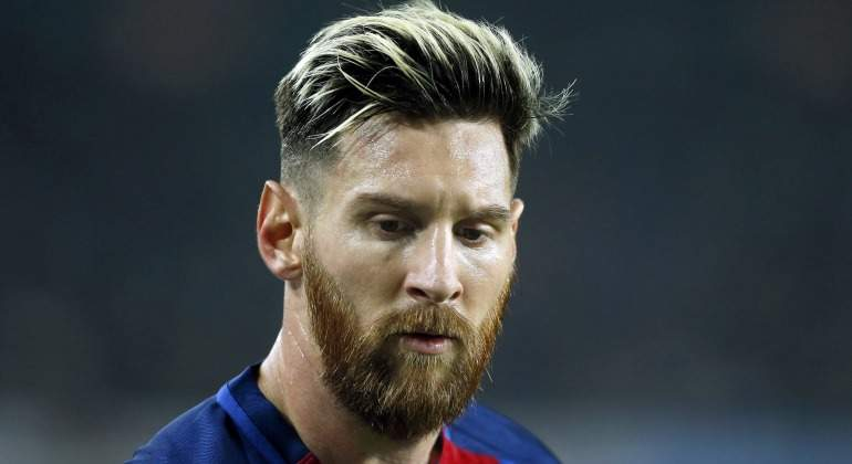 Audiencia cambia pena de cárcel por multa de 288.000 dólares — Lionel Messi